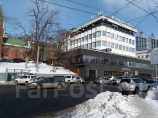 Офисные помещения в аренду. 68 кв.м., улица Светланская 83, р-н Центр. Дом снаружи