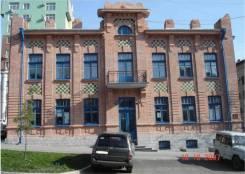 Особняк в центре. 462 кв.м., улица Калинина 108, р-н Кировский. Дом снаружи