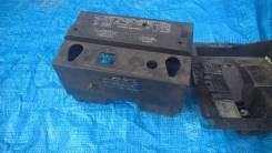 Крышка аккумулятора. Ford Explorer, U251