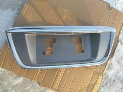 Накладка на дверь багажника.