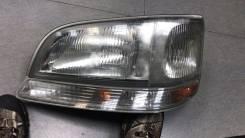 ФАРА Toyota Hiace 26-59