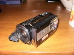 Sony HDR-PJ200E. 5 - 5.9 Мп, с объективом