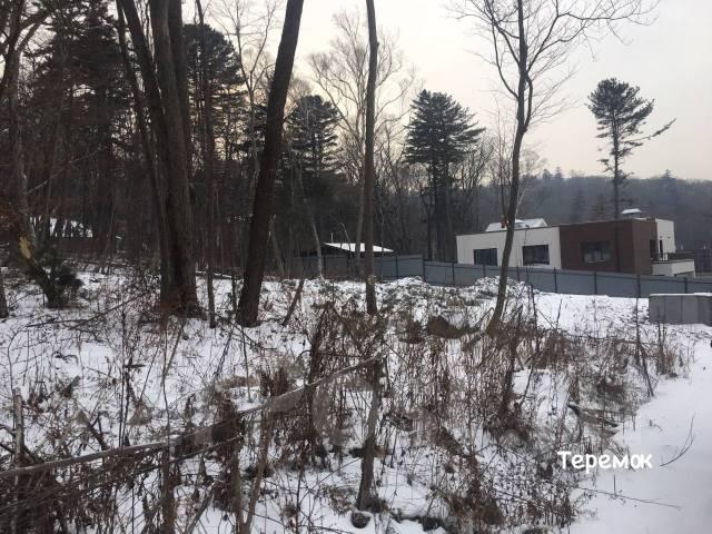 Срочно! Продам земельный участок на Черной речке. 1 000кв.м., аренда, электричество, вода, от агентства недвижимости (посредник). Фото участка