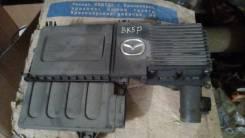 Крышка двигателя. Mazda Demio, DY3W, DY5R, DY5W, DY3R Mazda Axela, BKEP, BK5P, BK3P Mazda Mazda3, BK Двигатели: LFDE, ZYVE, L3VE, LFVE, L3VDT, ZJVE, M...