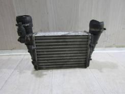 Радиатор интеркулера. Volkswagen Passat, 3B, 3B6, 3B3 Двигатели: AHL, APT, ALZ, AKN, BHW, AMX, AVF, BDP, ADP, AZM, AWL, BAU, AWX, AWT, AEB, AVB, BDH...