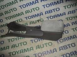 Бардачок. Toyota Corolla, NZE121