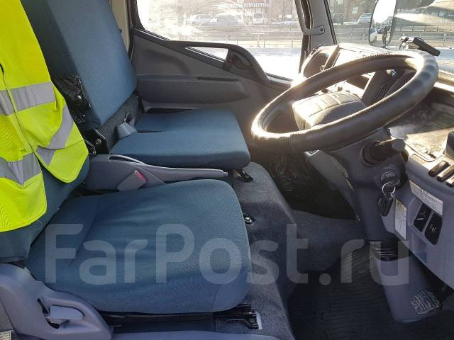 "Mitsubishi Canter. Продажа Грузовика 2011г 4WD КАТ ""В"", 3 000куб. см., 2 000кг."