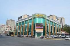 ТЦ Изумруд Плаза сдает в аренду от 20 кв. м до 61 кв. м. 105 кв.м., проспект Океанский 16, р-н Центр. Дом снаружи