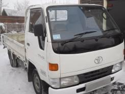 Toyota Dyna. Бортовой грузовик с тентом, 2 800 куб. см., 1 500 кг.