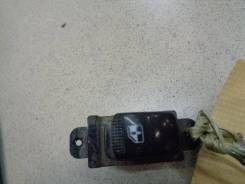 Кнопка стеклоподъемника Kia Rio 2005-2011 Номер OEM 935811G001
