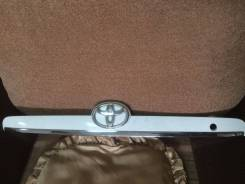 Накладка на дверь багажника. Toyota Corolla Fielder, NZE121, NZE121G