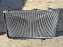 Радиатор охлаждения двигателя. Toyota Aristo, JZS160 Двигатель 2JZGE