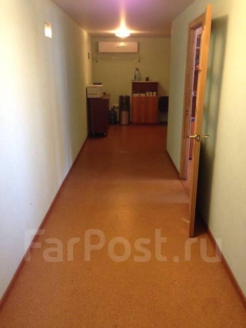 Земельный участок 14 сот с постройками на Постышева. 1 400 кв.м., собственность, электричество, вода, от агентства недвижимости (посредник)