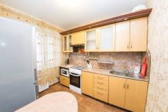 2-комнатная, улица Дзержинского 46 кор. 2. центральный, 45 кв.м.