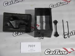 Крепление аккумулятора. Toyota Celsior, UCF30, UCF31 Двигатель 3UZFE