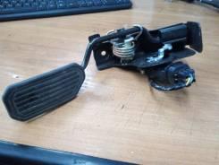 Педаль газа Toyota Avensis