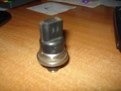 Датчик давления топлива Mitsubishi mr560127