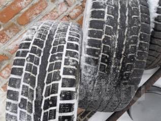 Dunlop. Зимние, шипованные, износ: 50%, 1 шт