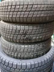 Bridgestone Ice Partner. Зимние, без шипов, 2015 год, износ: 10%, 3 шт