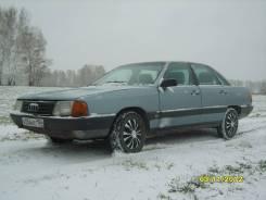 Audi 100. 44
