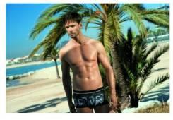 Плавки и пляжные шорты. 46, 48
