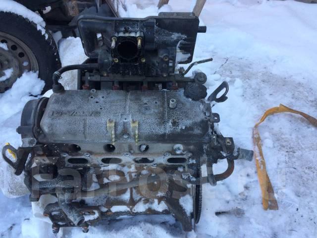 Двигатель мазда B3 в разбор. (Дымит)
