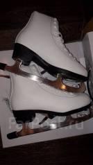 Коньки женские фигурные белые 38-39 р. размер: 39, фигурные коньки