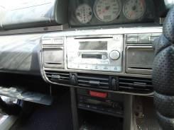 Панель под магнитофон (авто в разбор) NISSAN X-TRAIL NT30 QR20DE