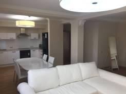 2-комнатная, улица Морская 1-я 10. Центр, частное лицо, 110 кв.м. Кухня