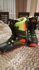 Ботинки сноубордические.