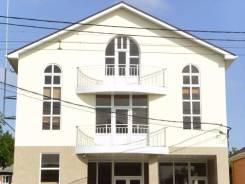 Продам здание с арендаторами в Краснодаре. Улица Алма-Атинская 99, р-н СХИ, 1 024 кв.м.