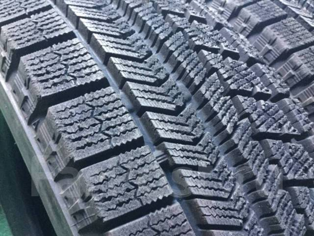 Bridgestone Blizzak VRX. Зимние, без шипов, 2014 год, износ: 10%, 2 шт