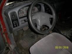 Nissan Pathfinder. OTCUTCTBUET, WG30 985129