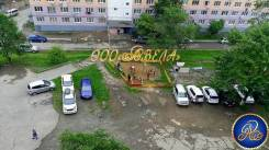 Гостинка, улица Надибаидзе 32. Чуркин, агентство, 24,0кв.м. Вид из окна днем