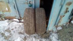 Bridgestone Blizzak Revo2. Зимние, без шипов, 2011 год, износ: 60%, 2 шт