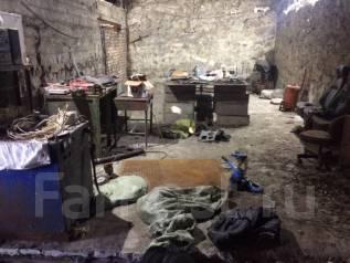 Помещение под любой вид деятел 200 м2 сварочная складирование и тд. Улица Днепровская 51, р-н Столетие, 200 кв.м., цена указана за все помещение в ме...