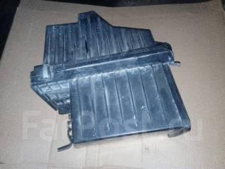 Корпус воздушного фильтра. Nissan R'nessa, N30, NN30, PNN30 Двигатели: SR20DE, SR20DET, KA24DE