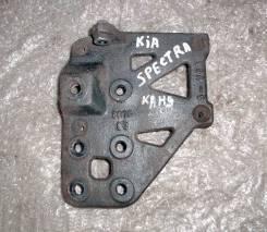 Крепление компрессора кондиционера. Kia Spectra