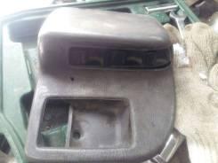 Кнопка стеклоподъемника. Nissan Atlas Mitsubishi Canter, FE527ET Двигатель 4D333