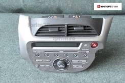 Магнитофон Honda FIT