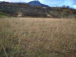 Продам видовой ровный участок 17,5 сот. г. Алушта с. Лучистое. 1 760 кв.м., собственность, от агентства недвижимости (посредник)