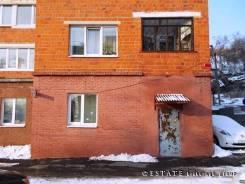 Удобный доступ — Офис / точка выдачи / склад / сервис — Отдельный вход. 132 кв.м., улица Карякинская 29, р-н Гайдамак. Дом снаружи