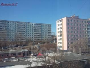 3-комнатная, улица Сафонова 24. Борисенко, агентство, 60 кв.м. Вид из окна днём