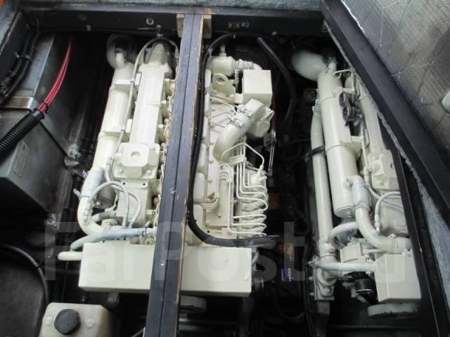 Searay. 1996 год год, длина 12,00м., двигатель стационарный, 630,00л.с., дизель