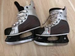 Продам коньки. размер: 34, хоккейные коньки