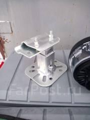 Крепление запасного колеса.
