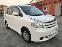 Toyota Noah. Без водителя
