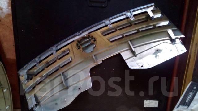 Решетка радиатора. Nissan Serena, CC25, C25, CNC25, NC25 Двигатель MR20DE