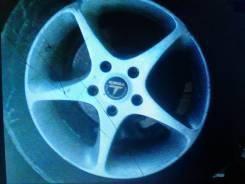 Продается колеса в наличии три , или приобрету одно колесо.
