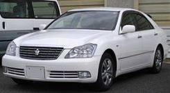 Toyota Crown. GRS182
